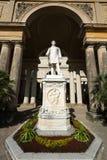 Estátua de Friedrich Wilhelm IV na frente do palácio da estufa para cultivo de laranjas Imagens de Stock