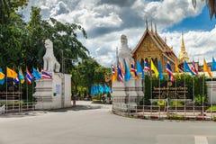 Estátua de Gardian no templo Wat Prasingh de Tailândia da entrada Fotografia de Stock Royalty Free