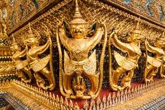 Estátua de Garuda no palácio grande de Tailândia Fotos de Stock Royalty Free