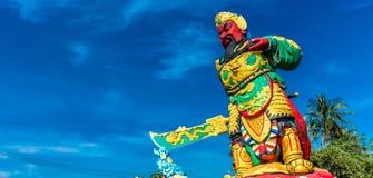 A estátua de Guan Yu em Phuket, Tailândia Fotos de Stock Royalty Free