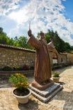 Estátua de Hadzi Milentije, líder da insurreição contra o império otomano fotos de stock royalty free