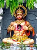Estátua de Hanuman em Rishikesh, Índia fotografia de stock royalty free