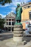 Estátua de Henrik Ibsen em Oslo, Noruega imagens de stock