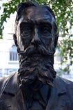 Estátua de Ion Mincu, arquiteto romeno, em Bucareste Imagens de Stock Royalty Free