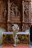 Estátua de Jesus Christ da cena do homo de Ecce no altar imagem de stock