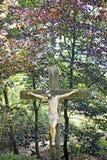 Estátua de Jesus Christ na qualidade selvagem do melhor do fundo da floresta foto de stock royalty free
