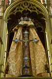 Estátua de Jesus na cruz no altar Imagens de Stock Royalty Free