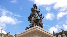 Estátua de Joana do arco em um dia ensolarado fotografia de stock royalty free