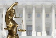 Estátua de justiça Imagens de Stock Royalty Free