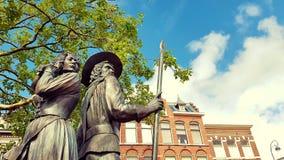 Estátua de Kenau Simonsdochter Hasselaer e de Wigbolt Ripperda Imagem de Stock