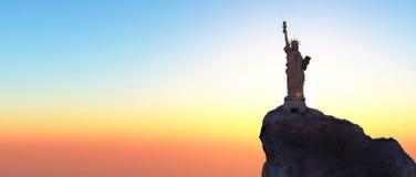 Estátua de liberdade & de por do sol de New York City fotografia de stock royalty free