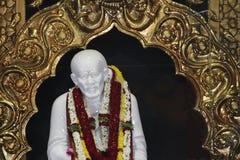 Estátua de mármore de Sai Baba Imagens de Stock Royalty Free