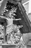 estátua de madeira do cemitério da crucificação de Jesus Christ foto de stock royalty free