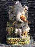 Estátua de pedra pequena bonita de Ganesha imagens de stock