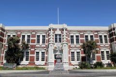 Estátua de Richard John Seddon, primeiro ministro do longo-serviço de Nova Zelândia na frente de Hokiti Fotos de Stock