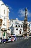 Estátua de Saint Oronzo, Ostuni, Apulia, Itália, citta Bianca do La imagens de stock royalty free