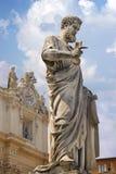 Estátua de Saint Peter em Vatican. Italy Fotos de Stock