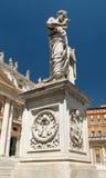Estátua de Saint Peter no quadrado de Peter de Saint Fotografia de Stock