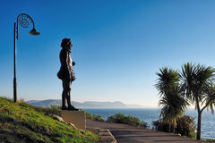 Estátua de Sir George Somers At Lyme Regis imagens de stock royalty free