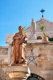 Estátua de St Jerome Stridonskogo na igreja da natividade em B imagem de stock