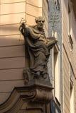 Estátua de St Peter na casa velha Imagens de Stock