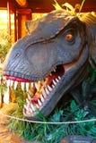 Estátua de T-Rex em Jurassic Park ilustração stock