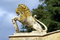 Estátua de um leão fotos de stock