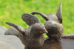 Estátua de um pássaro Imagens de Stock