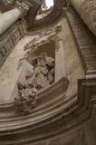 A estátua de uma igreja Fotografia de Stock Royalty Free