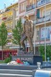 Estátua de Zahir Pajaziti em Pristina foto de stock