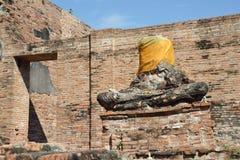 Estátua decapitado do Buddhaa Fotografia de Stock Royalty Free