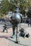Estátua desesperada do caráter cômico de Dan, Dundee fotos de stock