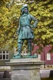 Estátua do almirante Peter Tordenskjold em Trondheim, Noruega foto de stock