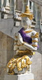 Estátua do anjo em Wat Phraputthabat Si Roi, Buddhisimt, Chiang Mai, Tailândia Foto de Stock Royalty Free