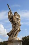 Estátua do anjo na ponte do anjo em Roma Foto de Stock Royalty Free