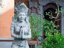 Estátua do arenito da mulher, estátuas hindu da religião em Bali, Indon Foto de Stock Royalty Free