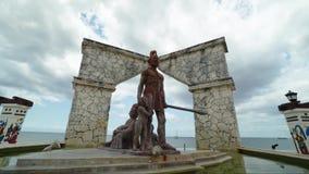 Estátua do asteca em cozumel, México Timelaps video estoque