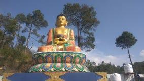 Estátua do budhha da monge suitated em Himachal Pradesh Fotografia de Stock