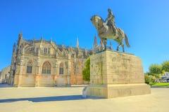 Estátua do cavaleiro de Manastery Batalha imagens de stock royalty free