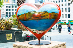 Estátua do coração em Union Square em San Francisco imagem de stock