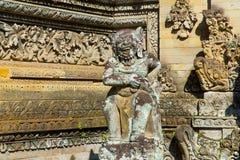 Estátua do deus do Balinese no complexo do templo, Bali, Indonésia Fotografia de Stock Royalty Free