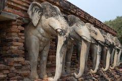 Estátua do elefante em Sukhothai, Tailândia Foto de Stock Royalty Free