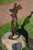 A estátua do gato no parque Fotos de Stock