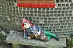 Estátua do gnomo Fotos de Stock Royalty Free