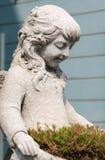 Estátua do jardim decorada no jardim fotos de stock royalty free