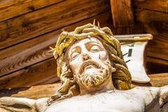 Estátua do Jesus Cristo crucified foto de stock royalty free