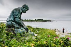 Estátua do Lobsterman na extremidade de Land's, ilha de Bailey's Imagem de Stock Royalty Free
