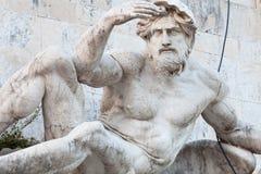 Estátua do mar de adriático. Fontes dos dois mares. O Vittoriano, Roma Fotografia de Stock