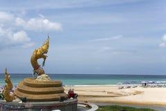 Estátua do naga da praia de Karon Fotografia de Stock