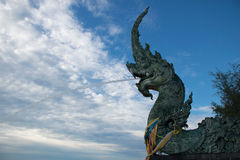 Estátua do Naga em Songkhla, Tailândia Imagens de Stock